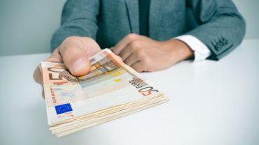 Ξεκίνησαν οι αιτήσεις για την αποζημίωση των 800€ των επιχειρήσεων